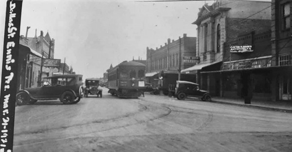 Ennis' Dallas Street as it was in 1921